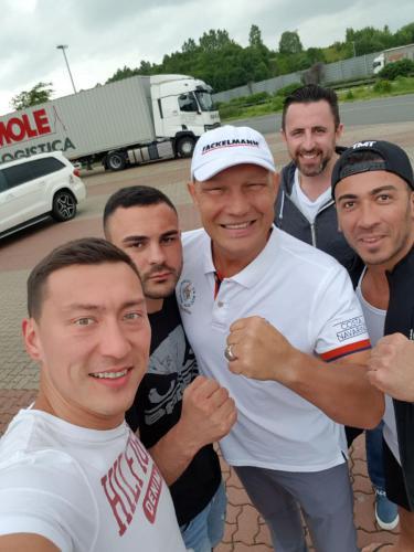 Axel Schulz mit Lee Gym